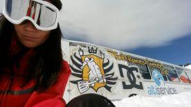 Snowboarder girl actividad física y bienestar